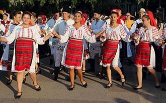 ההיסטוריה והמסורת המרתקת של רומניה
