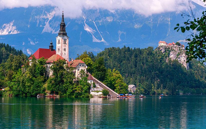 היעדים החמים לחופשה מושלמת באירופה: ברצלונה, מילאנו, היער השחור, לונדון, סלובניה