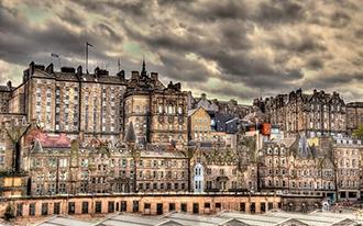 אדינבורו - עיר על חופו של הים הצפוני