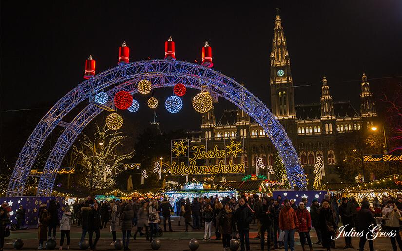 אסור לפספס: שבעה שווקי חג המולד המובילים באירופה